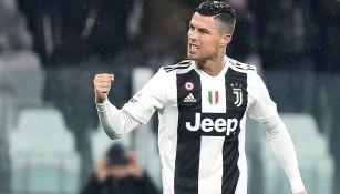 Cristiano Ronaldo festeja un gol con la Juventus