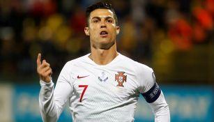 Cristiano Ronaldo festeja gol con Portugal