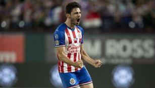 Pollo Briseño, en festejo de gol con Chivas