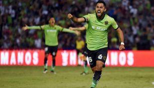 Esquivel celebra un gol con Juárez