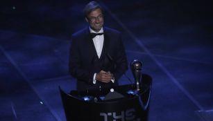 Jürgen Klopp recibe el premio 'The Best' al mejor entrenador