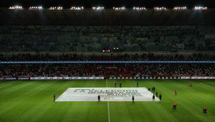 Manta en el estadio Nemesio Diez con la petición a la afición para no ofender al rival