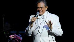 Jose José  en un concierto