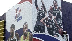 Anuncio del Nets vs Lakers en Shanghai, China