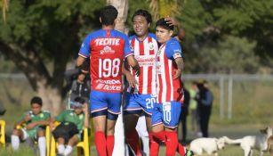 Eduardo López festeja su gol ante León con la Sub 20