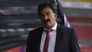 La Volpe, en el banquillo del Toluca durante un partido