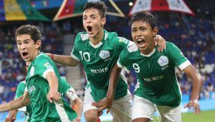 México festeja triunfo sobre España