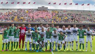 Jugadores de León y Pumas se toman la foto juntos