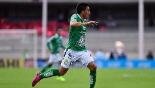 Ángel Mena, en el juego entre Pumas y León del A2019