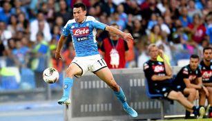 Chucky Lozano en acción con el Napoli