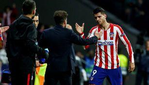 Álvaro Morata celebra un gol con Simeone