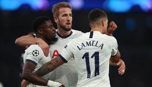 Jugadores del Tottenham celebran un gol en Champions