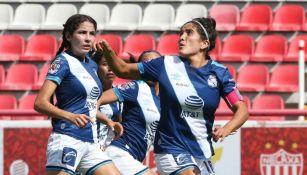 Jugadoras de Puebla, durante un partido de la Liga Femenil