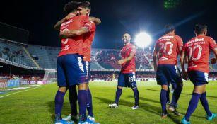 Jugadores del Tibu celebran el gol del triunfo sobre el Puebla