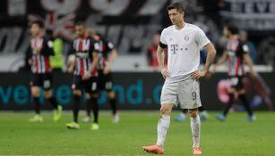 Robert Lewandowski lamenta la goleada del Eintracht Frankfurt