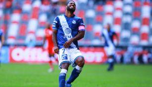 Brayan Angulo en un juego ante Toluca