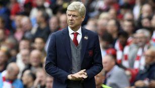 Arsene Wenger en su etapa como DT del Arsenal