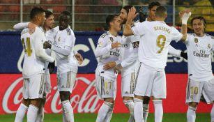 Jugadores del Real Madrid festeja una anotación