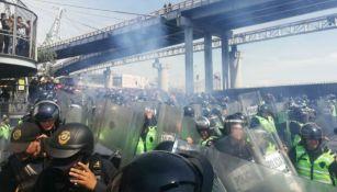 Policías, durante la manifestación