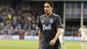 Efraín Juárez jugando con Vancouver