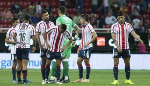 Jugadores de Chivas se lamentan tras derrota ante Morelia