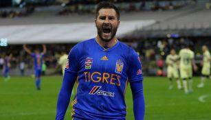 Gignac festeja su gol vs América en la Liguilla del A2019