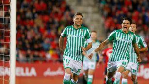 Joaquín Rodríguez festejando el primer gol del partido