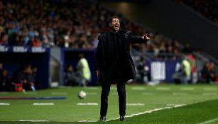 Diego Simeone en el partido entre Atlético de Madrid y Barcelona
