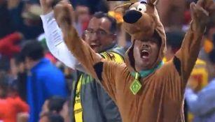 Fan disfrazado de Scooby Doo