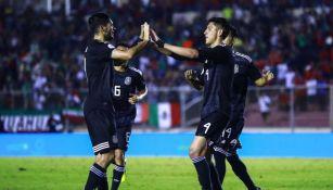 Jiménez y Álvarez, en festejo de gol