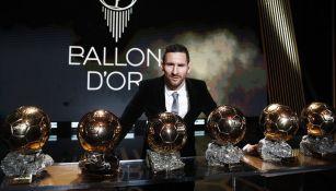 Messi posa junto a sus seis Balones de Oro