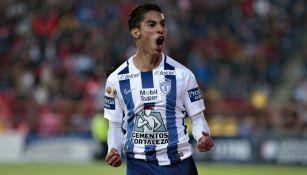 Aguirre, en festejo de gol con Pachuca