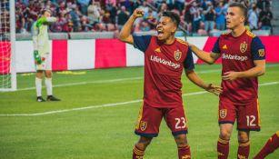 Sebastián Saucedo festeja un gol con el Real Salt Lake