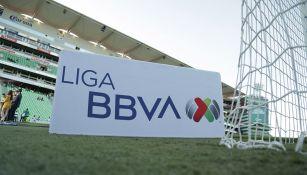 Cartel de la Liga MX en el TSM