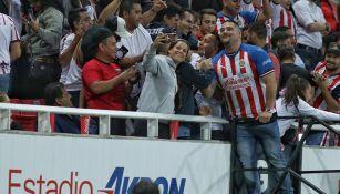 Andy Ruiz en el partido entre Chivas y Pachuca