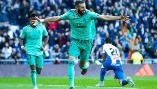 Benzema celebra un gol ante el Espanyol