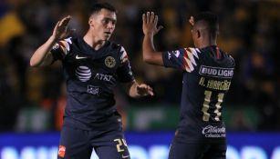 Federico Viñas e Ibargën celebrando gol