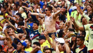 Aficionados del América en el Estadio Azteca