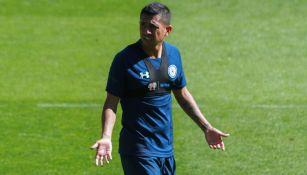 Elías Hernández en entrenamiento de Cruz Azul