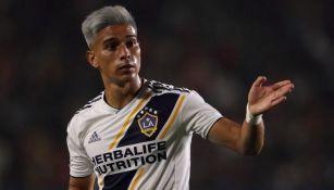 Favio Álvarez en un partido con Galaxy