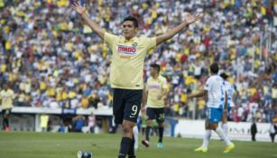 Raúl Jiménez celebrando una anotación como jugador del América