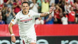 Chicharito Hernández festeja su gol vs el APOEL