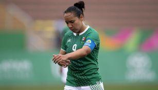 Charlyn Corral en partido con Selección Mexicana