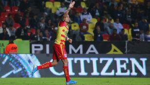 Sebastián Vegas durante un partido con Monarcas