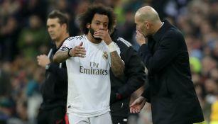 Real Madrid: Marcelo recibe indicaciones de Zinedine Zidane