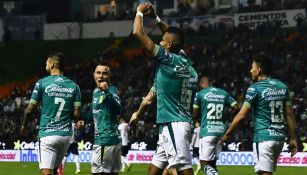 William Tesillo festeja su gol ante Pachuca