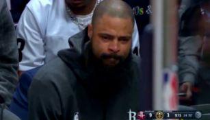Tyson Chandler llora durante un juego de los Rockets