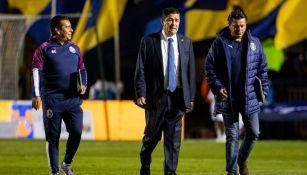 Luis Fernando Tena en el partido contra Tigres