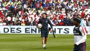 Unai Emery durante un entrenamiento con PSG