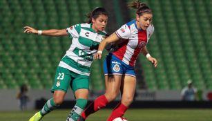 Chivas Femenil se aferró a zona de Liguilla tras empate ante Santos